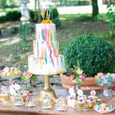 farbenfroher sweet candy table im watercolor look